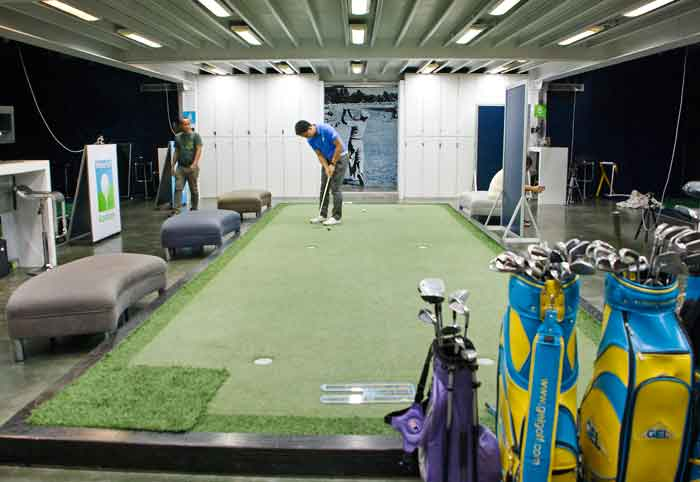 Golf Indoor Lessons - Putting Practice